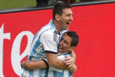 Con su amigo Messi en el seleccionado; reconoció que lo tentó para que fuera a PSG cuando tenía decidido irse de Barcelona