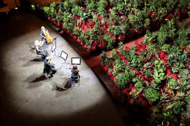 El Gran Teatre del Liceu de Barcelona reinició su actividad en junio con un concierto para plantas, idea de un artista conceptual, transmitido por streaming