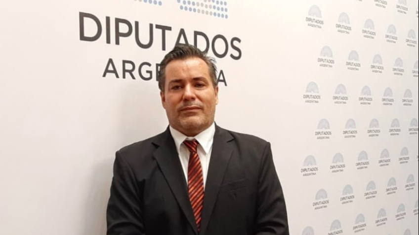 Quién es Juan Emilio Ameri, un provocador que acusó al gobierno de EE.UU. de generar la caída de las Torres Gemelas