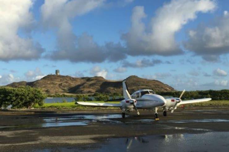 El gobierno está ampliando la pequeña pista de aterrizaje a la que llegan aviones de apenas 15 plazas