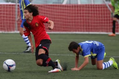 Luka Romero en acción, en las inferiores de Mallorca