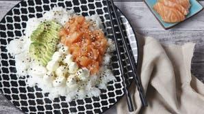 "Ensalada ""Poke"" de salmón"