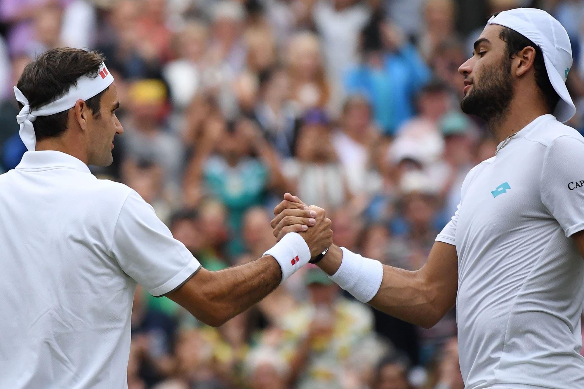 La ocurrente frase que le dijo un tenista italiano a Federer luego de su dura derrota en 74 minutos