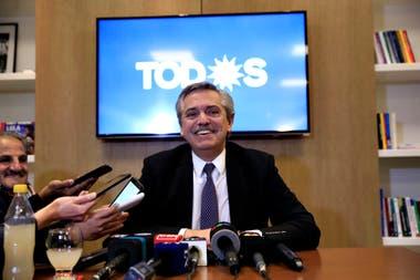 Alberto Fernández esta tarde habló con la prensa y se despegó del modelo venzolano