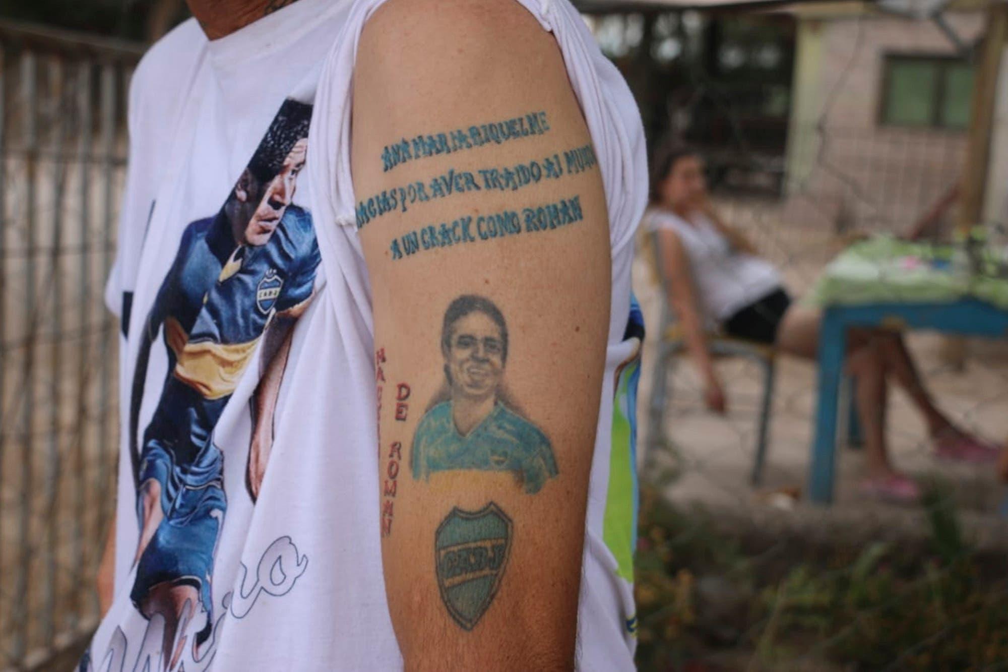 Elecciones en Boca: ¿es voto cantado ir con una camiseta o un tatuaje de Riquelme?