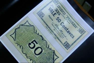 El sistema de pago en la isla era una moneda creada por el propio Cobos.