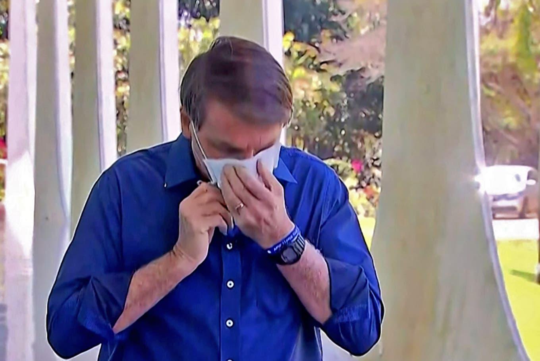 Coronavirus: las imprudencias de Bolsonaro cuando anunció que está contagiado