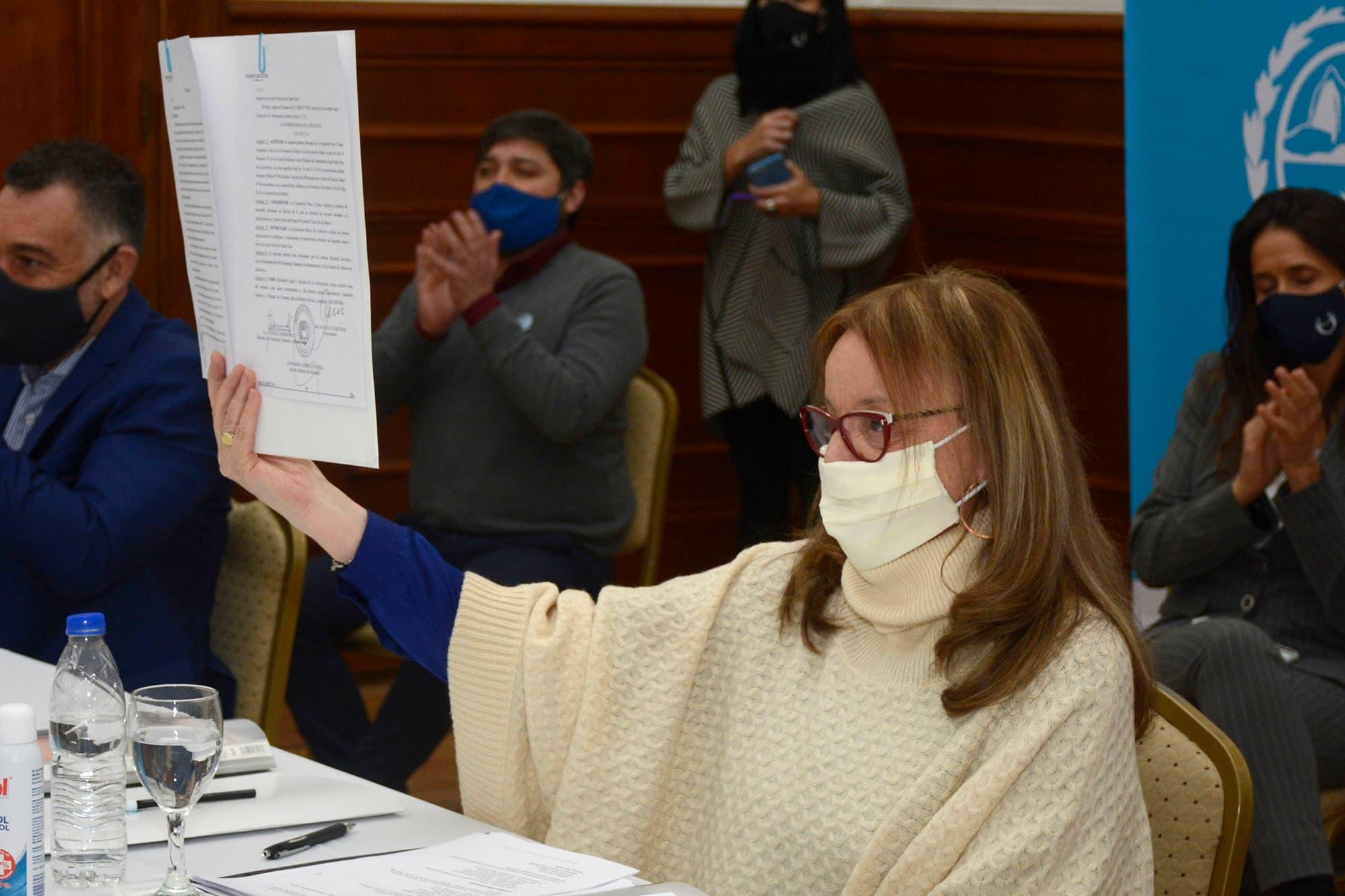 El Calafate: crece el malestar contra Alicia Kirchner por demorar la reapertura turística