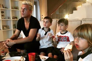 El futbolista viajó a París para reencontrarse con sus hijos después de ocho meses sin verlos