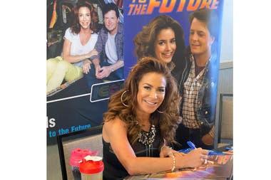 Volver al futuro: cómo luce Claudia Wells, la novia de Marty McFly, 35 años después