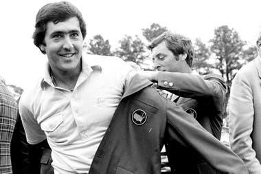 La conquista del Masters de Augusta de 1980; recibió la chaqueta verde de Fuzzy Zoeller