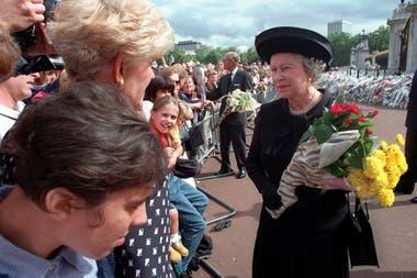Isabel II: En primer plano: el documental que mira a la mujer detrás de la soberana británica