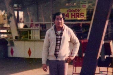 Ted pudo abrir su primera tienda de donas no mucho después de llegar a California.