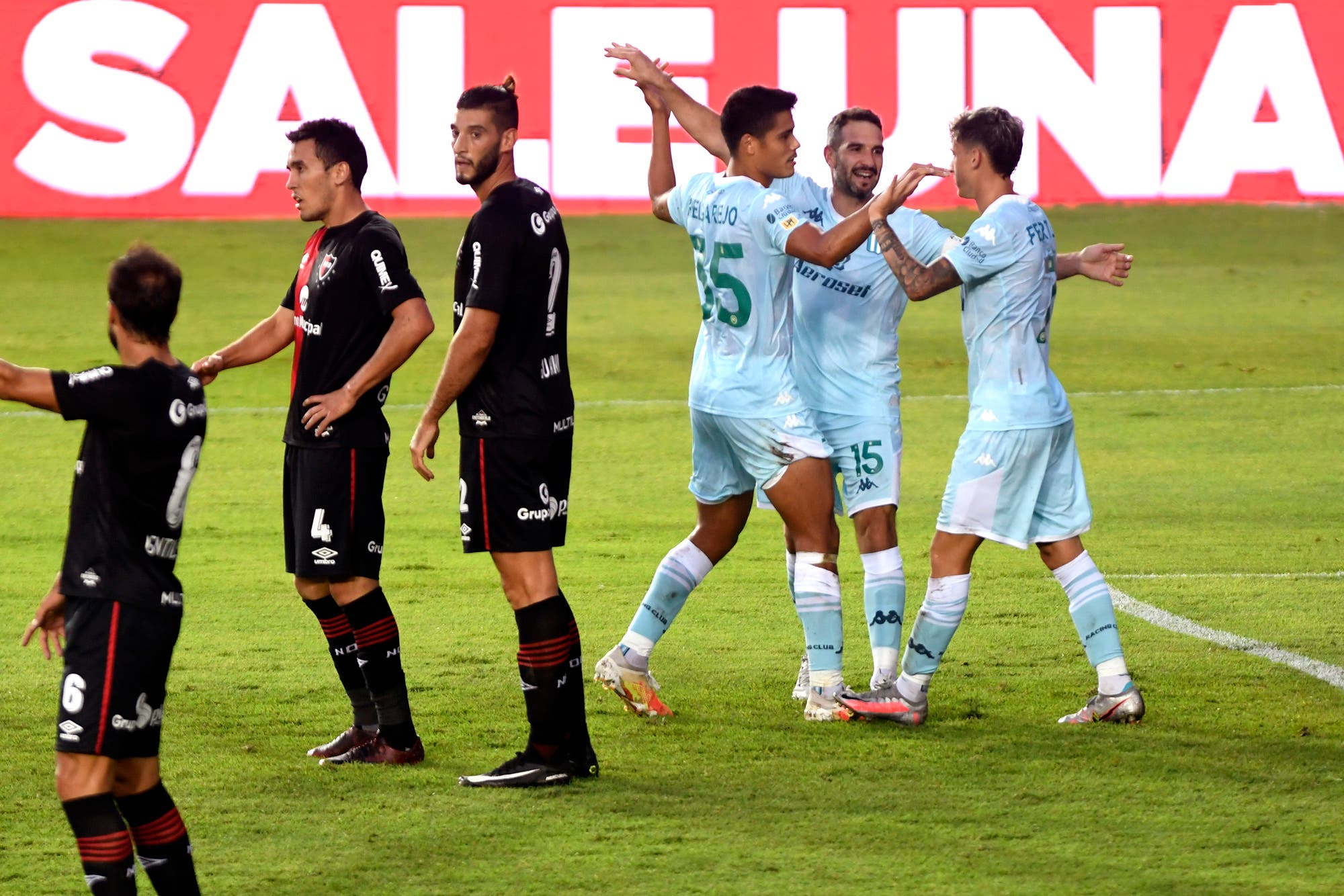 Racing - Newell's: entre el deseo de los rosarinos de ir a una final de la Copa Diego Maradona y la despedida de Beccacece
