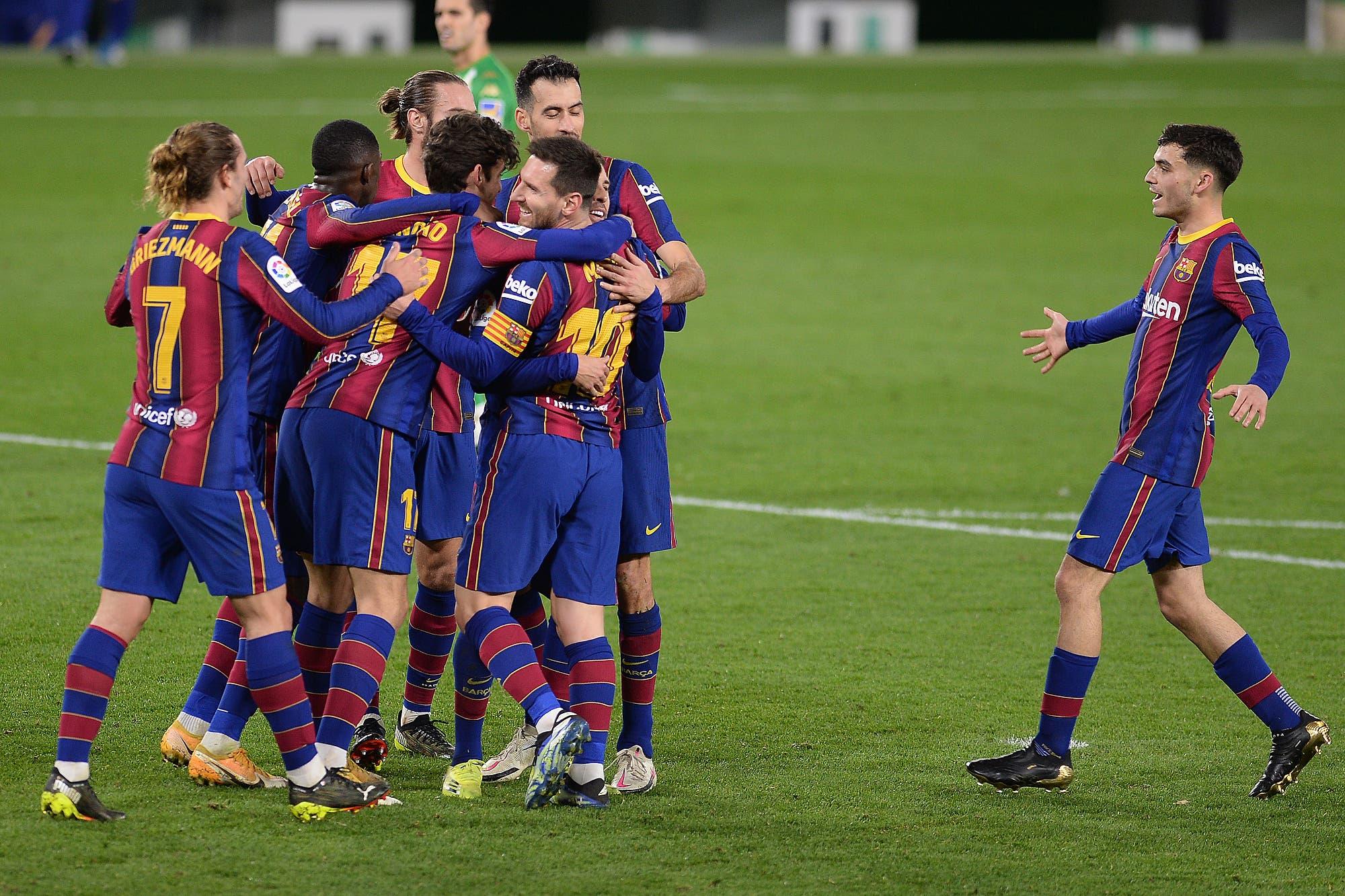 Entró Lionel Messi y en 35 minutos fue decisivo: ganó Barcelona y sigue dando pelea en la Liga de España