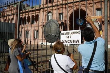 El epicentro de la concentración es la Plaza de Mayo