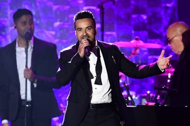 "Luis Fonsi interpretó ""Despacito"" junto a Daddy Yankee."