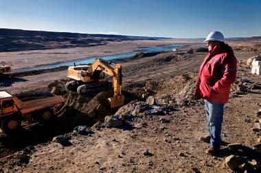 Movimientos de suelo en las márgenes del río Santa Cruz