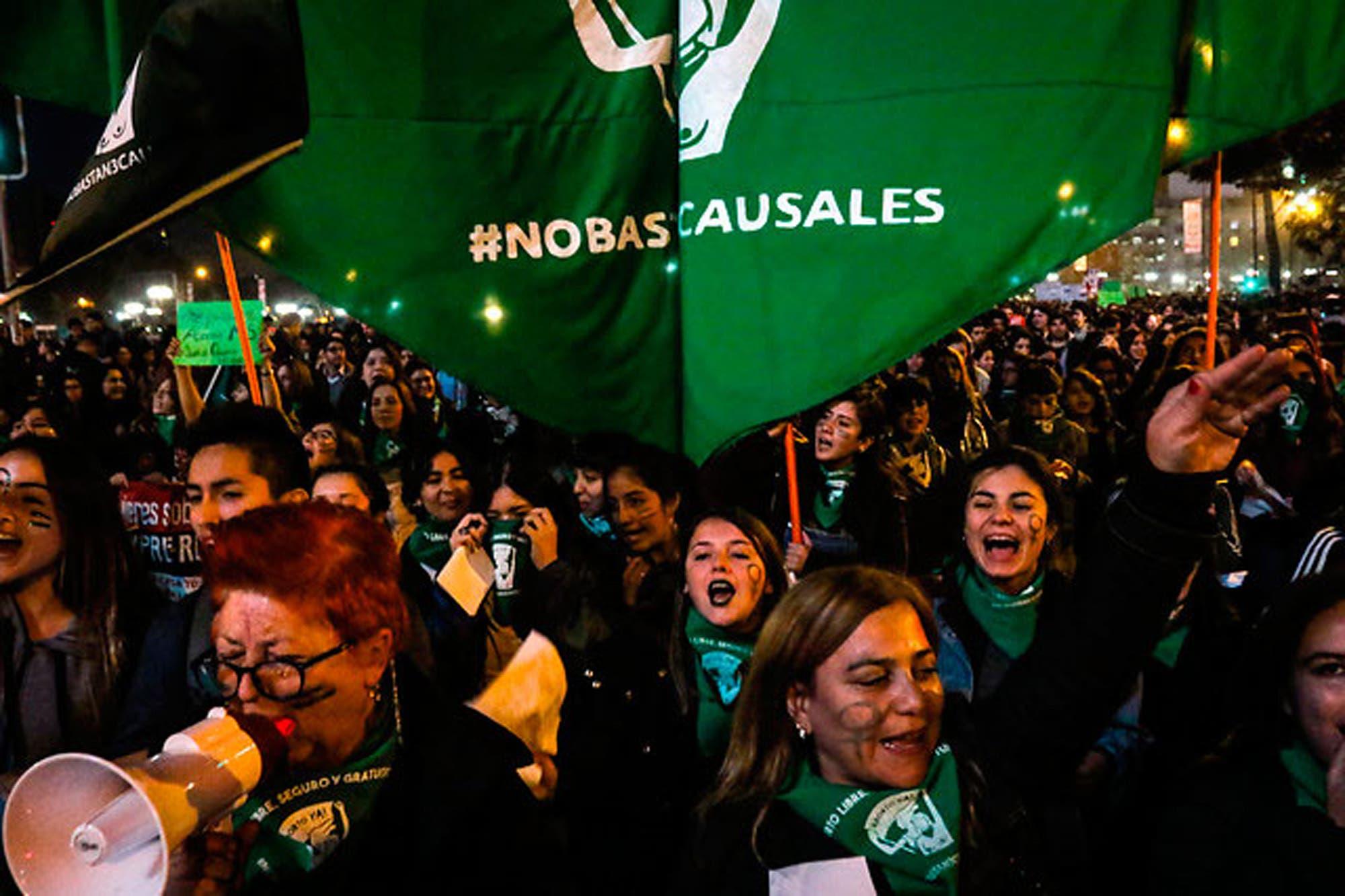 Chile: una agrupación denuncia que atacaron a mujeres en una marcha a favor del aborto