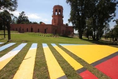 El nuevo parque del Chateau Carreras, con intervenciones del artista Chali