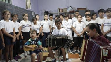 Los chicos en la clase de música
