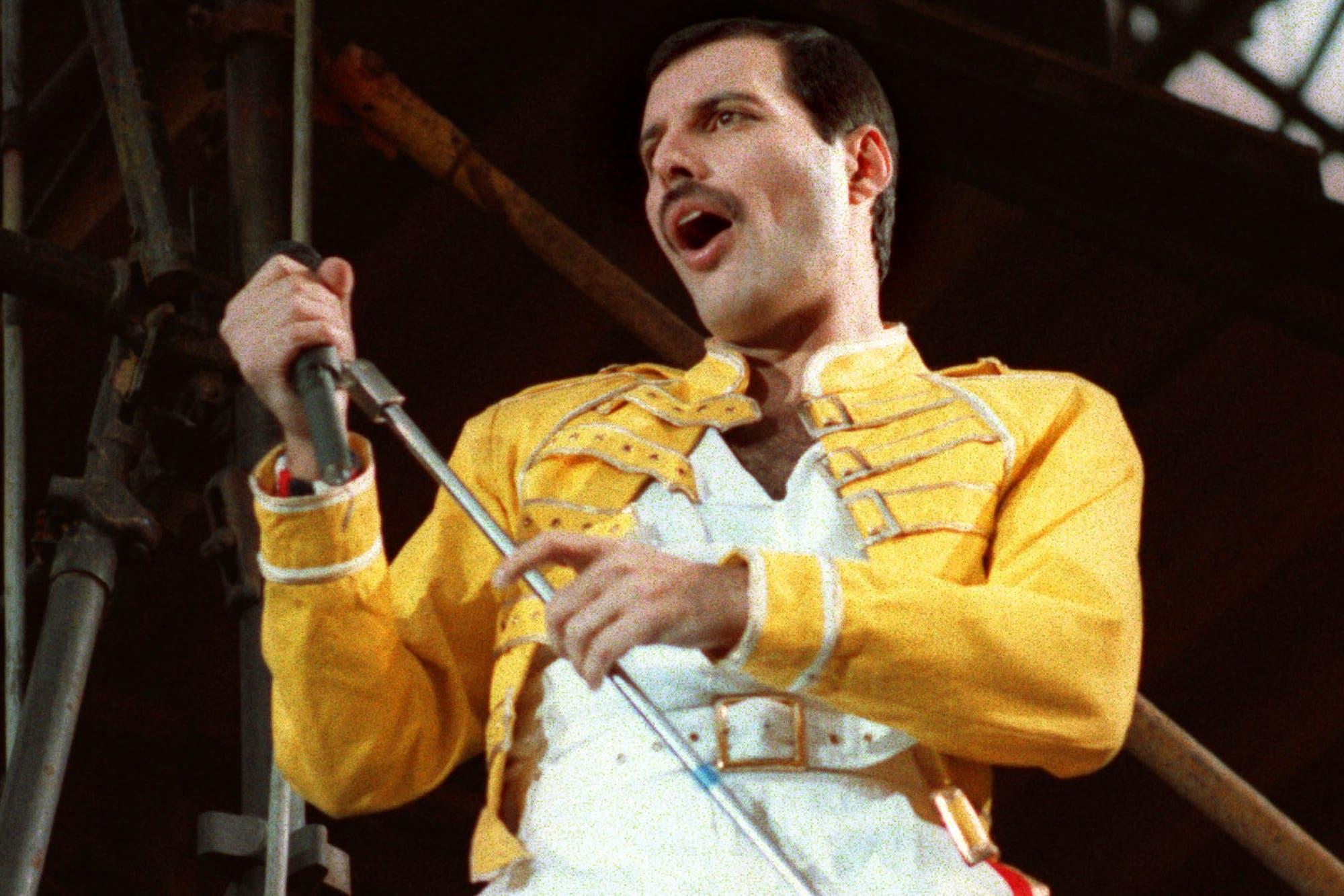 Freddie Mercury aún envía regalos navideños a sus familiares y amigos