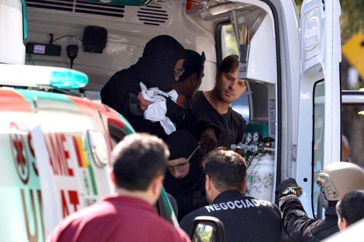 El hombre que se atrincheró en una ambulancia en Palermo era buscado en Colombia por tráfico de armas