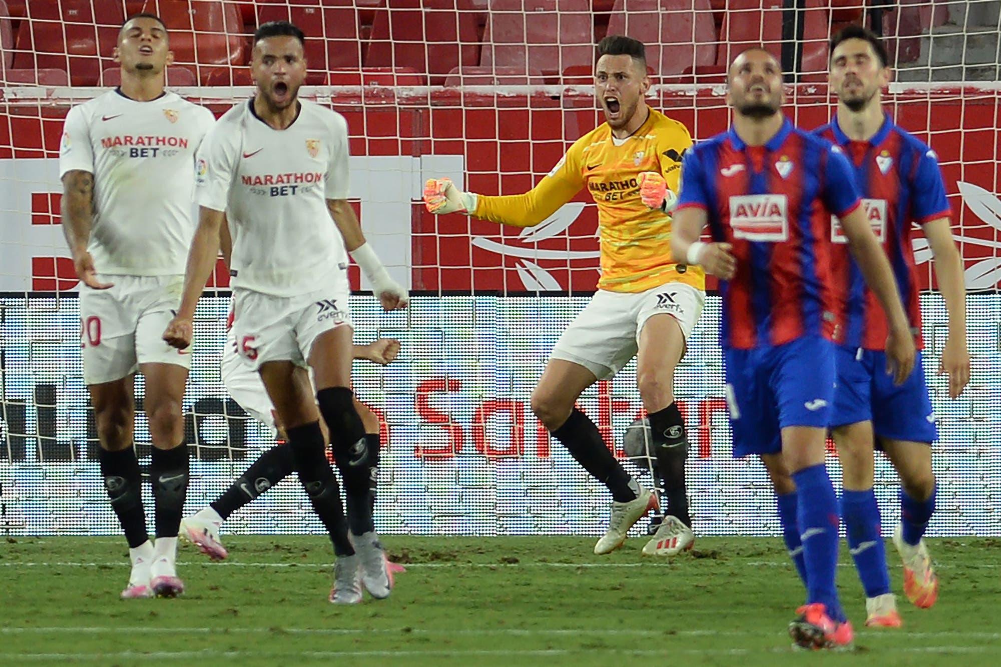 Lucas Ocampos, el héroe: goleador y arquero inesperado en la ...