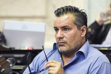 Tras el escándalo, Juan Emilio Ameri presentó la renuncia a la Cámara de Diputados y se la aceparon esta madrugada