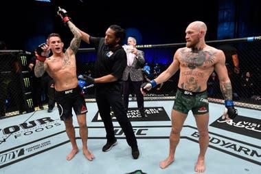Dustin Poirier es declarado ganador del durísimo combate contra Conor McGregor