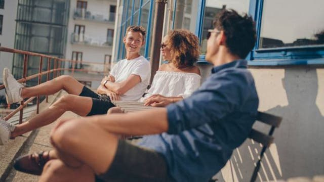 Tres días de fin de semana ayuda a la socialización