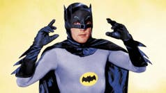 En honor a Adam West, encenderán la bati-señal en Los Angeles
