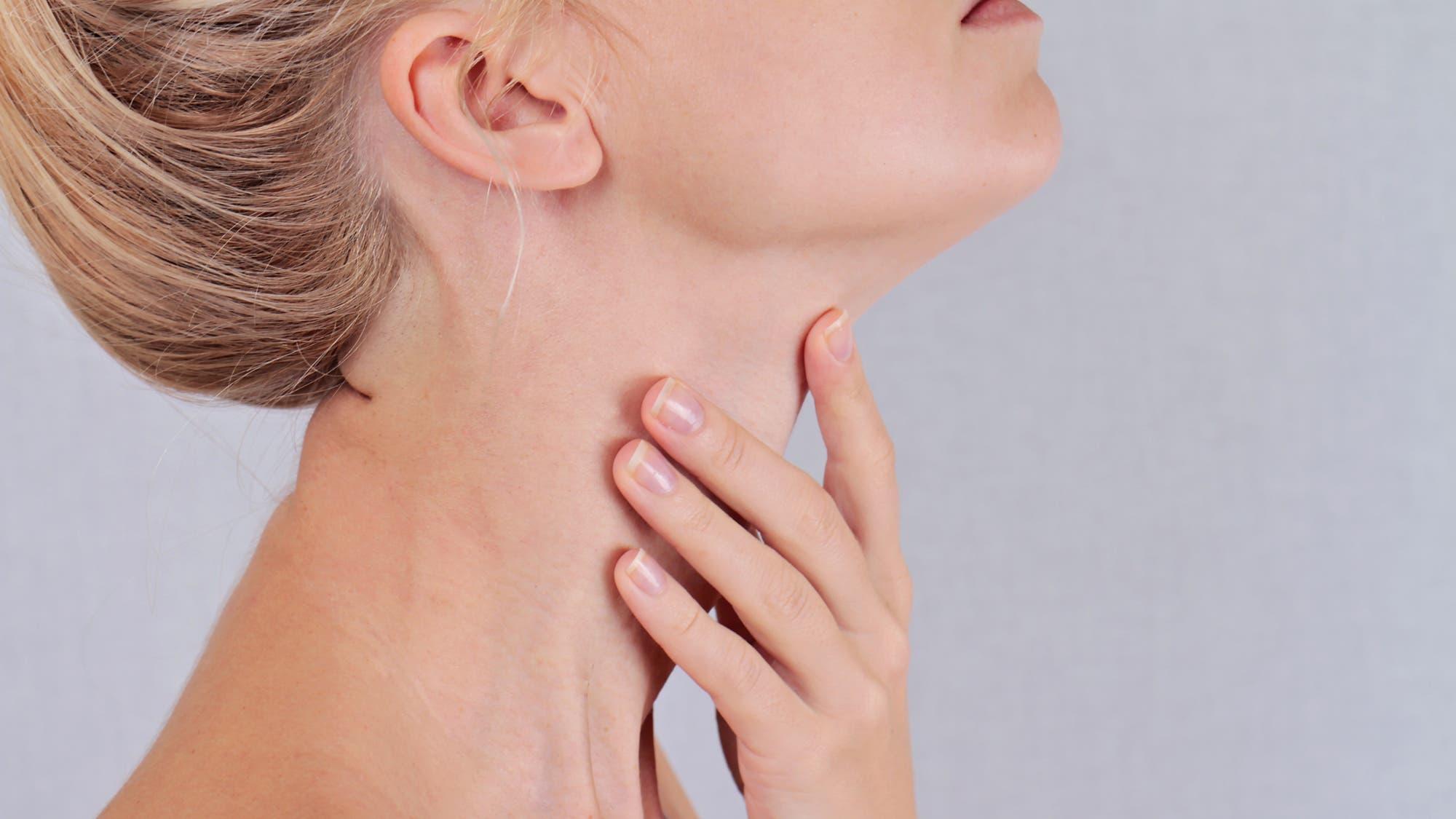 Que produce el hipotiroidismo en la mujer