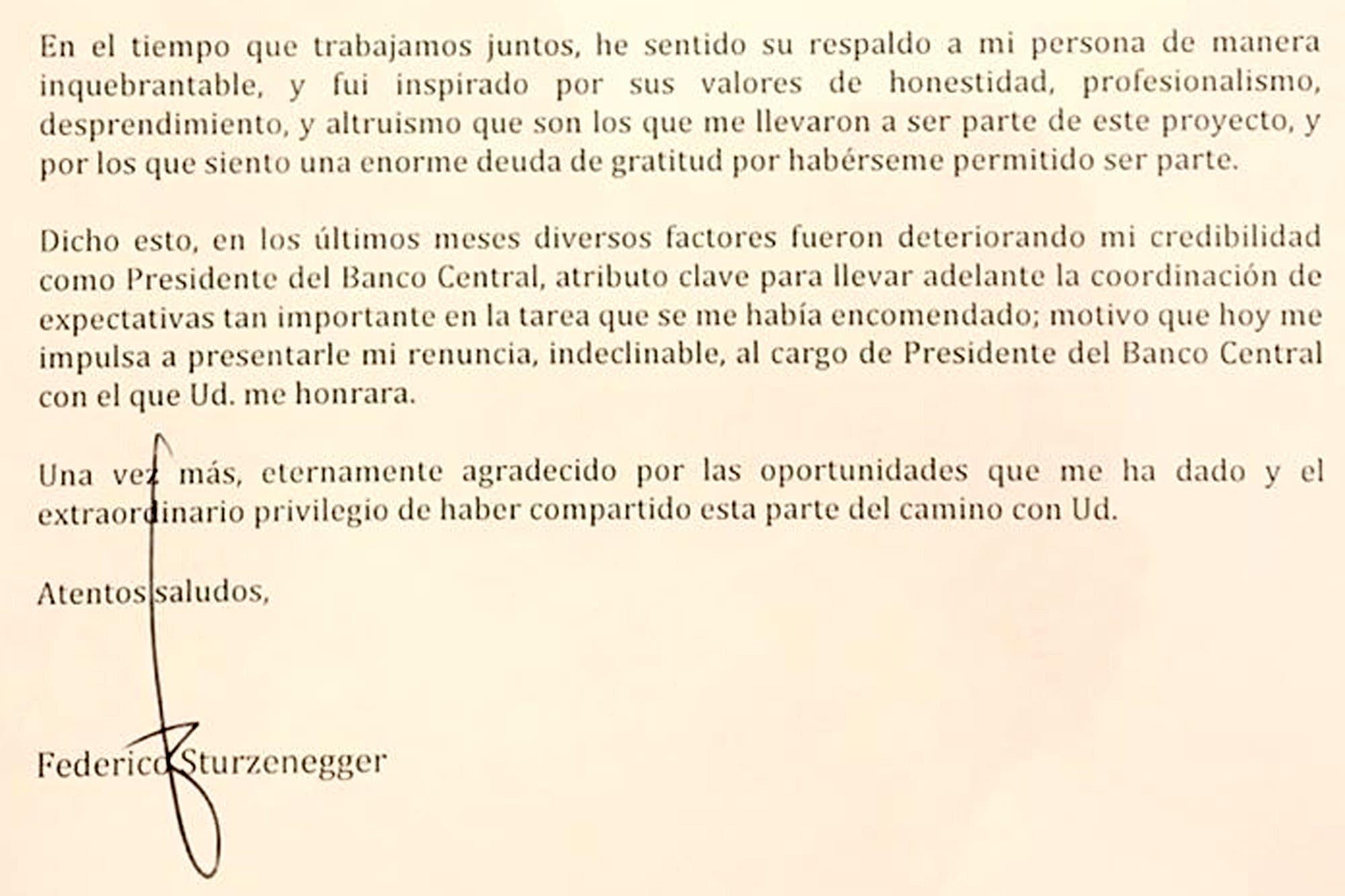 """La carta de renuncia de Federico Sturzenegger: """"Diversos factores fueron deteriorando mi credibilidad"""""""