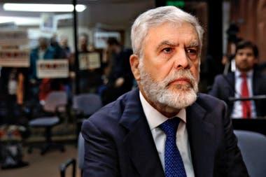 El exministro Julio de Vido fue condenado a cinco años y ocho meses de prisión.