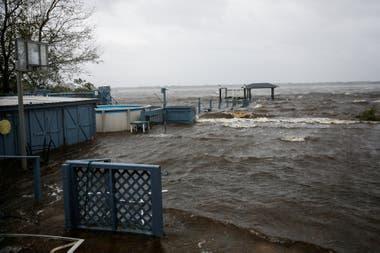 Las lluvias han colapsado los ríos que desbordaron y están causando graves inundaciones