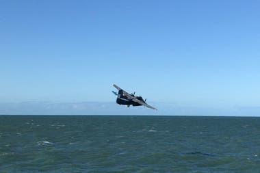 Sobrevuelo de la Armada Argentina