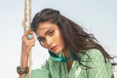 Zara Abid, la modelo fallecida en el accidente areo de Pakistán, había publicado una postal con un mensaje profético
