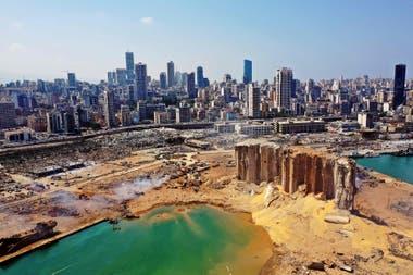 Así quedó la zona portuaria de Beirut tras la explosión
