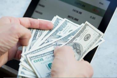 La brecha cambiaria entre el dólar oficial y los paralelos se ubica en torno al 75%