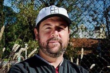 Luciano Cabeiro, entrenador de tenis, tuvo que cambiar de vida: se fue a vivir a México y trabaja como administrador de un club de pádel