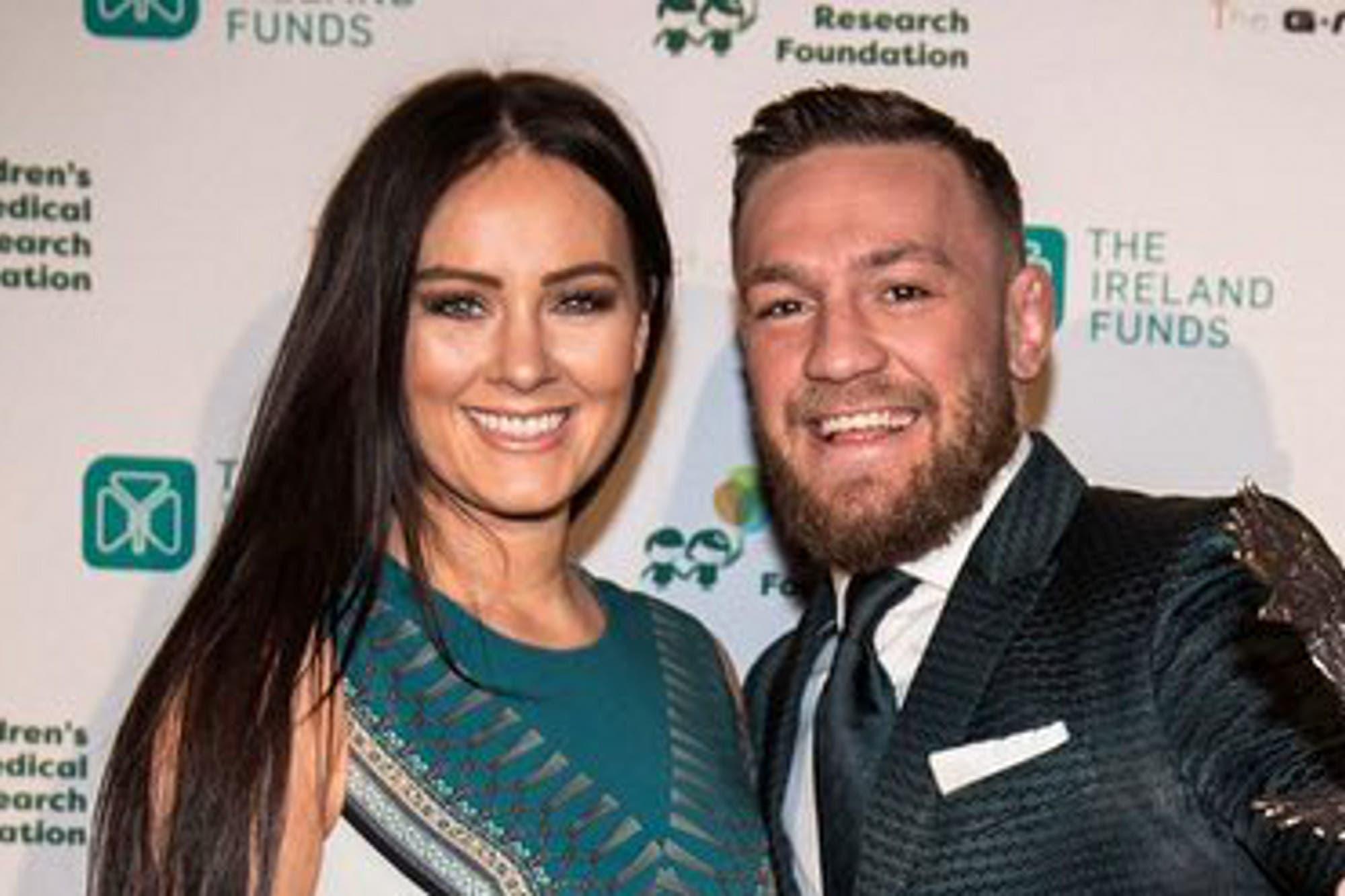Conor McGregor se compromete con su pareja y lo cuenta con una romántica foto en Instagram