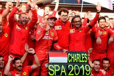 En el circuito de Spa-Francorchamps, Charles Leclerc festejó el año pasado su primera victoria en Fórmula 1