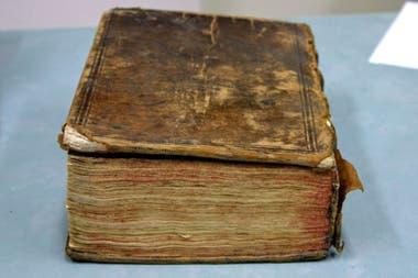 El volumen contiene 20 obras en inglés, incluida Los dos nobles caballeros de Shakespeare