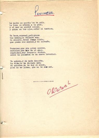 """Letra de la canción """"Penumbra"""". Manuscrito original de la letra mecanografiada por Sandro. Gentileza: Olga Garaventa"""