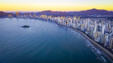Así se ve el atardecer en Praia Central.