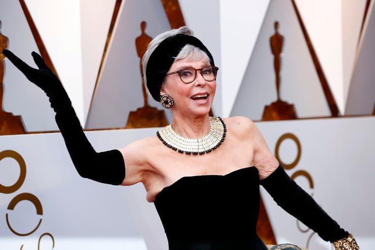 Rita Moreno, usando el mismo vestido con el que ganó el Oscar en 1962