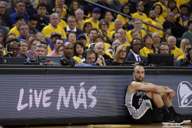 2018, manu en un momento de los playoffs ante Golden State Warriors