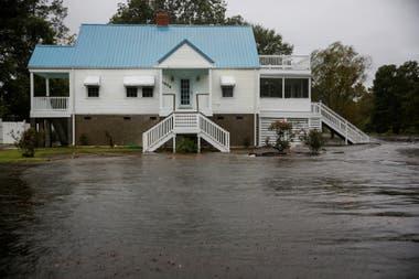 Miles y miles de personas han sido evacuadas de las zonas afectadas