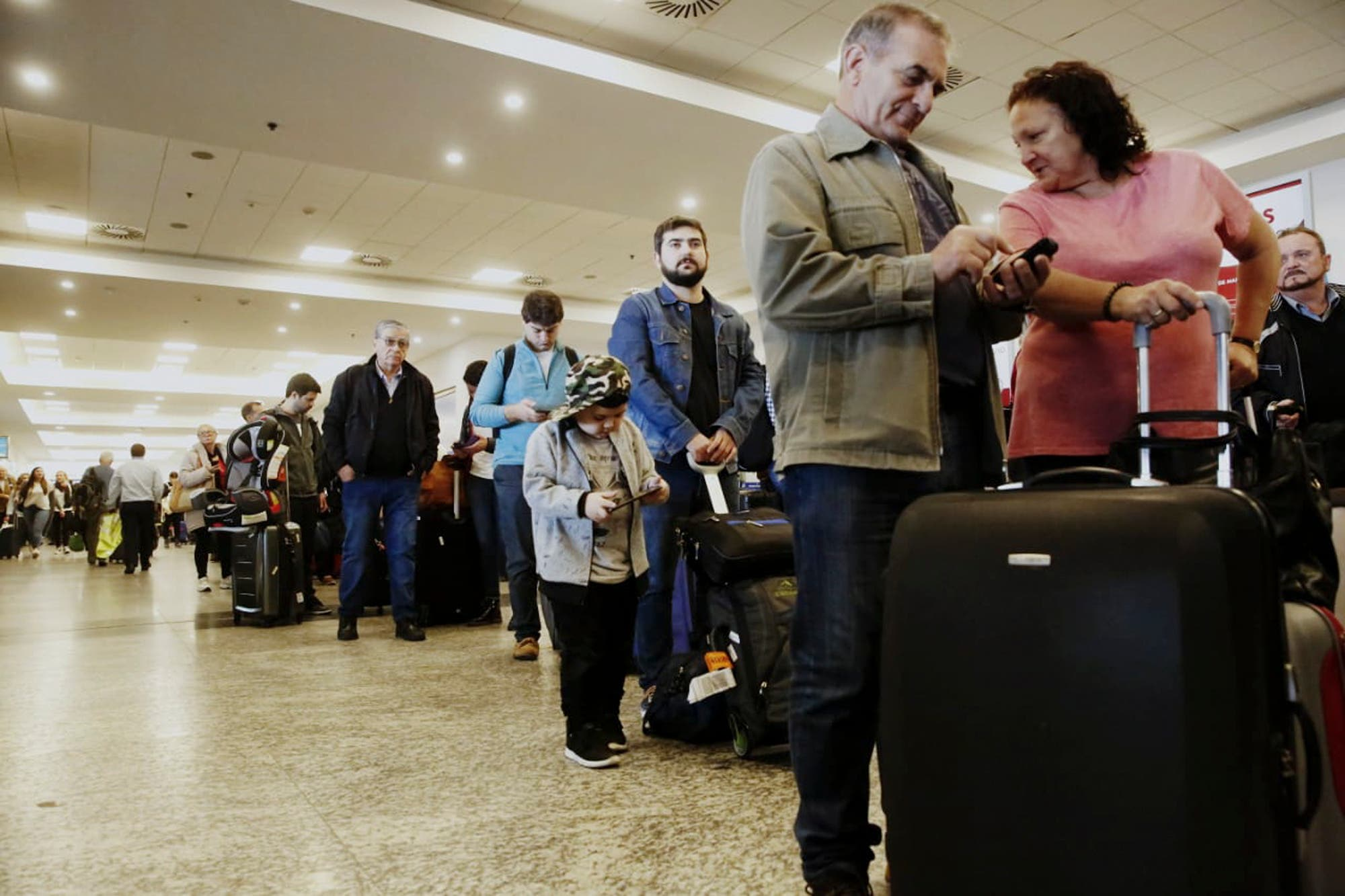 Por una medida de fuerza gremial, cancelan al menos 57 vuelos de Aerolíneas Argentinas en todo el país